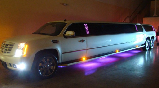 Benefits of Hiring a Limo to Greet Your Guests
